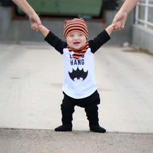 the-boy-box-halloween-cute-baby-outfit-bat-lets-hang-bibdana-beanie-monochrome-shirt-raglan