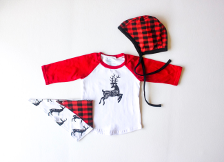 the-boy-box-bonnet-raglan-christmas-winter-deer-print-buffalo-check-plaid