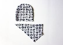 the-boy-box-bib-bibdana-xoxo-monochrome-valentine-valentines